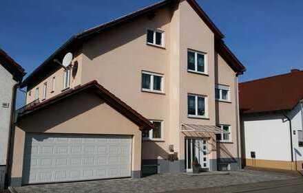 Großzügige , helle 4,5 ZKB mit großem Balkon in 76698 Ubstadt Weiher OT Weiher