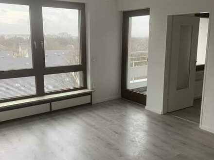 Frisch sanierte 3-ZKB-Balkon -Wohnung mit tollem Ausblick !