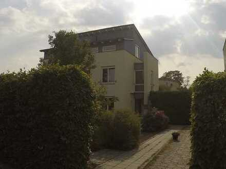 Schönes Haus mit fünf Zimmern in Halle (Saale), Heide Süd