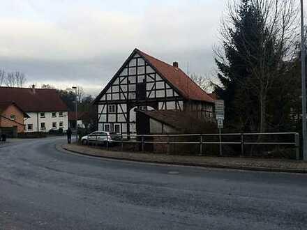 Zum Abriss oder Wiederaufbau Fachwerkhaus im Dorfkern von Duingen/Capellenhagen
