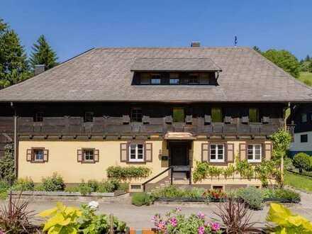 Schwarzwaldhaus in traditioneller Bauweise im Münstertal