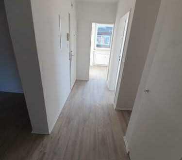 Gute Aussichten - frisch sanierte 3-Zimmerwohnung mit Balkon - Dietrichsfeld