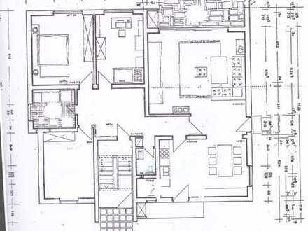 Sanierte 5-Raum-Hochparterre-Wohnung mit Terasse und Einbauküche in Ettlingen, nähe Horbachpark