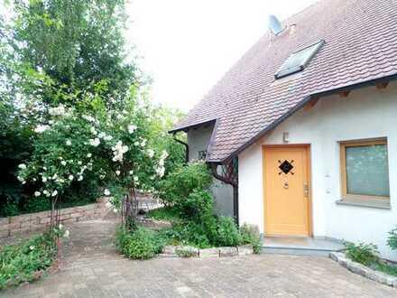 Einzugsfertig: sehr gepflegtes EFH mit Gartenhaus und eingewachsenem Garten in Nürnberg, Maiach