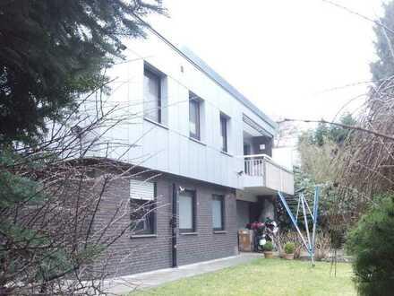 freistehendes Ein- bis Zweifamilienhaus nähe RRZ