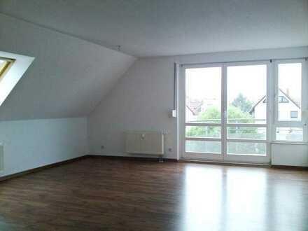 Große 3 Raumwohnung im DG in Niederlungwitz