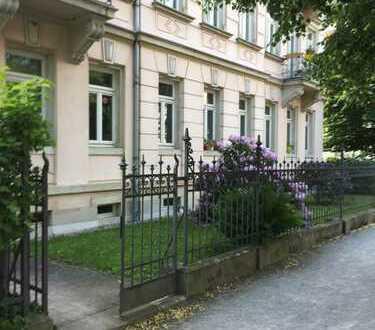 Gemütliche Altbau 1 Zimmer Wohnung im Hochparterre in Dresden-Striesen