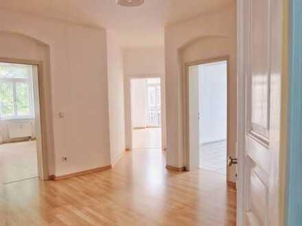 Für Kapitalanleger! Großzügig geschnittene 2-Raum-Wohnung in zentraler Lage!