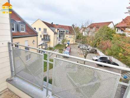 Sonnige Dachgeschosswohnung mit Aufzug & Balkon in ruhiger Lage in Burkhardtsdorf
