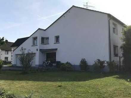 Sehr gepflegtes 3-Parteien-Haus in Leverkusen-Bergisch Neukirchen