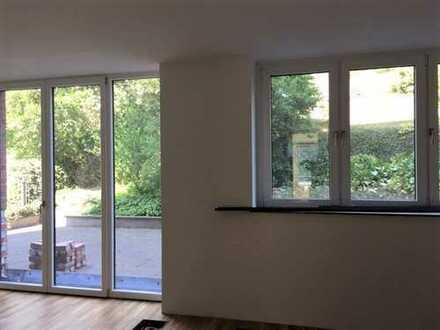 *Aufwendig renovierte 3-Raumwohnung im historischen Stadtteil Giebichenstein mit Terrasse*
