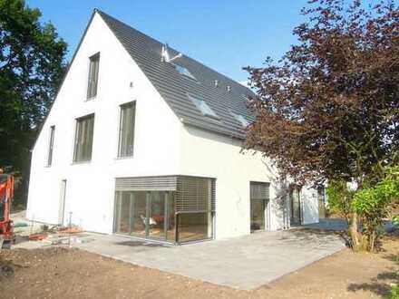 luxuriös ausgestattete Architektendoppelhaushälfte in ruhiger, toller Lage in Bielefeld Quelle!