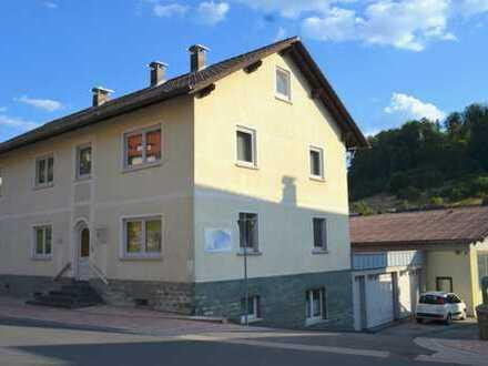 Riesiges 2-Familienhaus mit sehr großer Halle u.v.m.