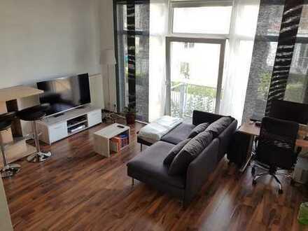 Lichtdurchflutete, geräumige ein Zimmer Wohnung in Hürth-Efferen nahe Linie 18