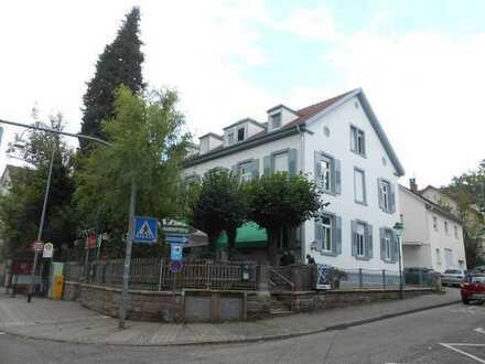 Neu renovierte Büro-Praxisfläche ca. 135m² im 1.Obergeschoß in zentraler Lage der Weststadt