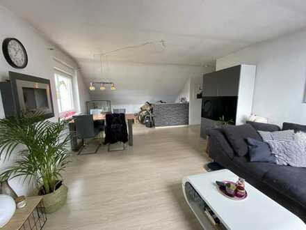 Helle 3 Zimmer DG-Wohnung in Top - Lage (Rotbach / Wohnungswald) von DIN-Eppinghofen !