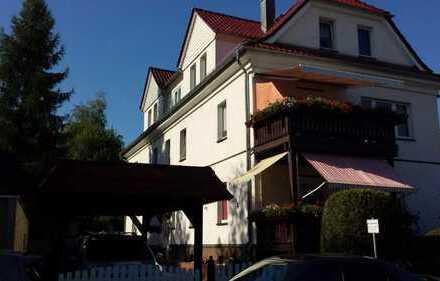 Gut ausgestattete 2-Zimmer-Erdgeschosswohnung mit Balkon in ruhiger Lage in Zwickau