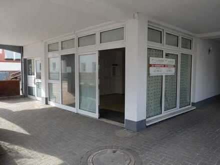 Frisch renovierte, gepflegte Laden-/ Verkaufs-/, Ausstellungsfläche mitten im Ortskern