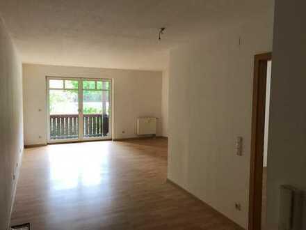 sehr ruhige Zweiraumwohnung mit Balkon in Ernstthal