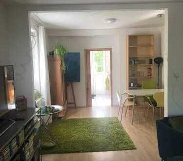 Stilvolle, sanierte 2-Zimmer-Hochparterre-Wohnung mit EBK in Darmstadt-Eberstadt
