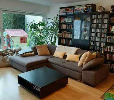 Gepflegte Wohnung + Garten in ruhiger Lage in Köln Weiden.
