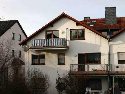 Gepflegte 2-Zimmer-Dachgeschosswohnung mit Balkon in Wöllstein