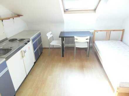 1-Zimmer-Dachgeschosswohnung mit Einbauküche in Freiburg