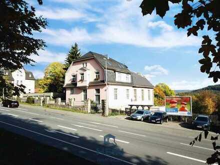 Zauberhafte Villa mit angeschlossenem Kirchensaal zum Wohnen oder zur Vermietung