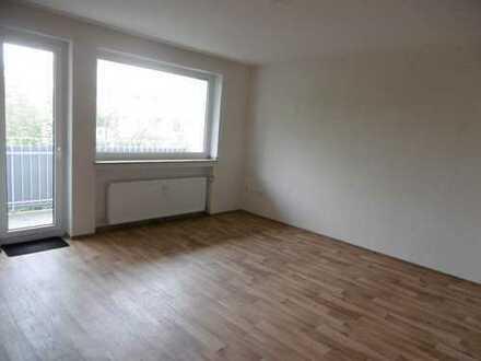** 1 Raum Wohnung mit Wohnküche und Balkon im 4 OG **