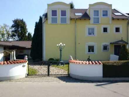 Schöne, geräumige zwei Zimmer Wohnung in Königsbrunn, Kr. Augsburg