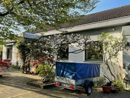 Große und extravagant geschnittene Immobilie mit ELW in Sackgassenlage am Wald in Münster-Hiltrup