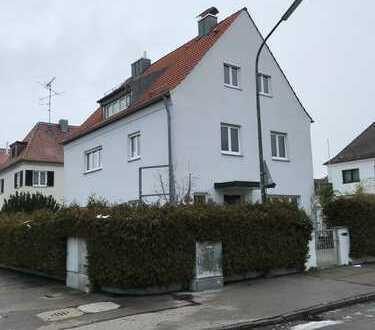 Ein-/Zweifamilien-Generationshaus mit Möglichkeit zur Nutzung einer Gewerbefläche