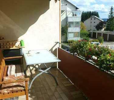 Provisionsfrei: Herrlicher Blick über die Felder - wunderschöne 3-Z-Wohnung mit Balkon