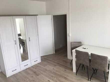 Komplett möblierte 1-Raum-Wohnung mit Balkon