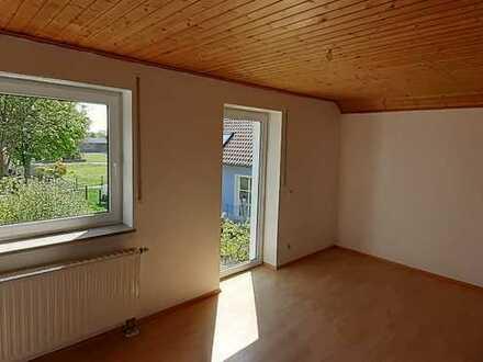Helle 4 Zimmer Wohnung mit ausgebautem Dachboden und Westbalkon