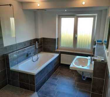 Erstbezug nach Sanierung: freundliche 4-Zimmer-EG-Wohnung mit Terasse und Garten in Grassau