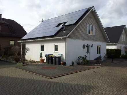 Schickes Haus mit kleinem Grundstück