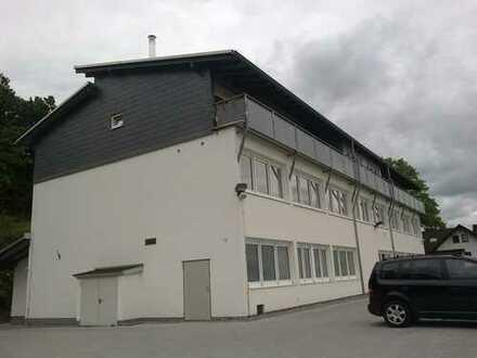 Wetzlar-OT, 2 Monate mietfrei, 7 Zimmer; 2 Bäder; Küche; Traumblick über das Lahntal