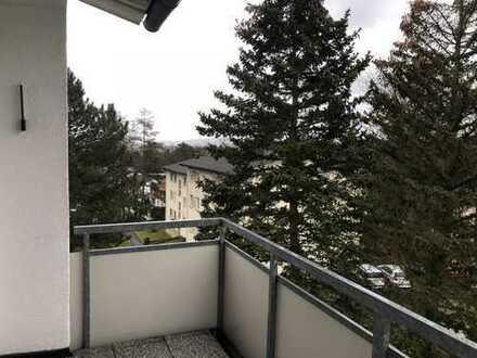 3-Zimmer Wohnung - Erstbezug nach Sanierung inklusive moderner Küche + Südbalkon + schöne Aussicht