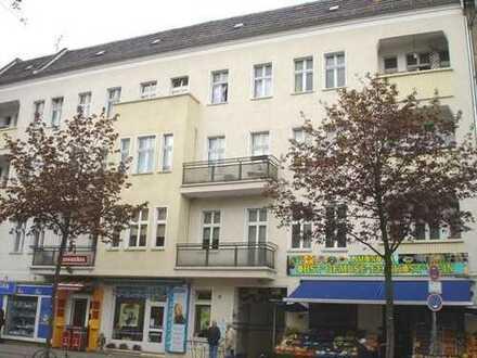 Große 3 Zimmerwohnung, Gäste-WC, Dielen, Balkon, WG geeignet
