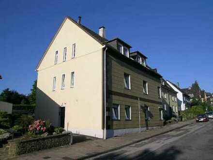 Velbert-Neviges! Komplett renovierte 2-Zimmer Wohnung in ruhiger Anliegerstraße
