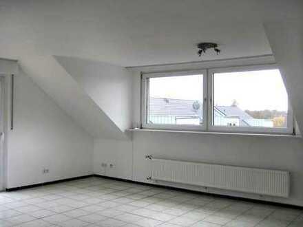Leverkusen Schlebusch, modernisierte, helle 2-Zimmer Wohnung mit Balkon