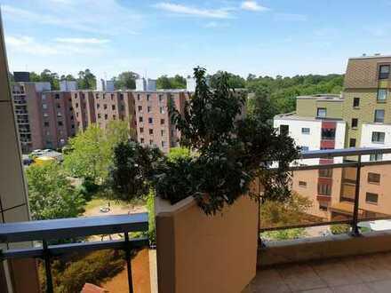 Renovierte, helle 3-Zimmer-Wohnung mit Balkon und Einbauküche in Bergisch Gladbach Frankenforst