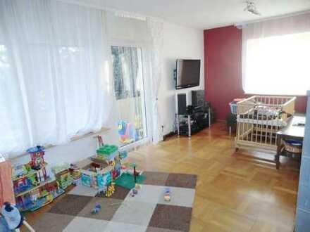 Gemütliche 3 Zimmer Wohnung mit Balkon und Garage