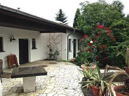 LINDEN IMMOBILIEN - Einfamilienhaus im Bungalowstil unweit Krankenhaus Köpenick