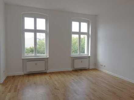 Potsdam/West++komplett sanierte 2 Zimmer Wohnung nahe Bahnhof Charlottenhof!