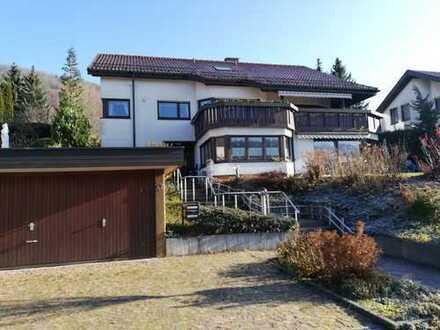 Schöne 3-Zimmer-Erdgeschosswohnung mit Terrasse, Garten und Einbauküche in Deggingen