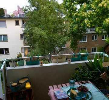 Nachmieter zum 01.12.19 für 3-Zimmer-Wohnung mit Balkon in Lindenthal, Köln