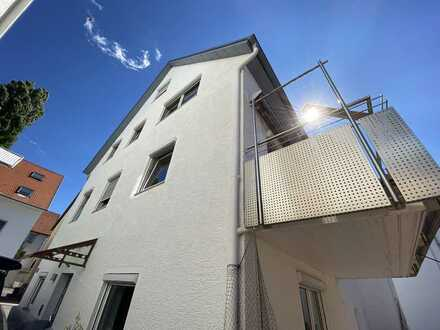 Doppelhaushälfte im Zentrum von Nagold. 4 Zimmer, EBK und Garage