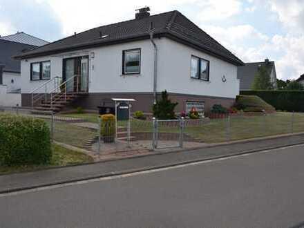 Gepflegtes freistehendes Einfamilienhaus, ruhiger Lage mit vorläufigem Miet-Wohnrecht für Verkäufer